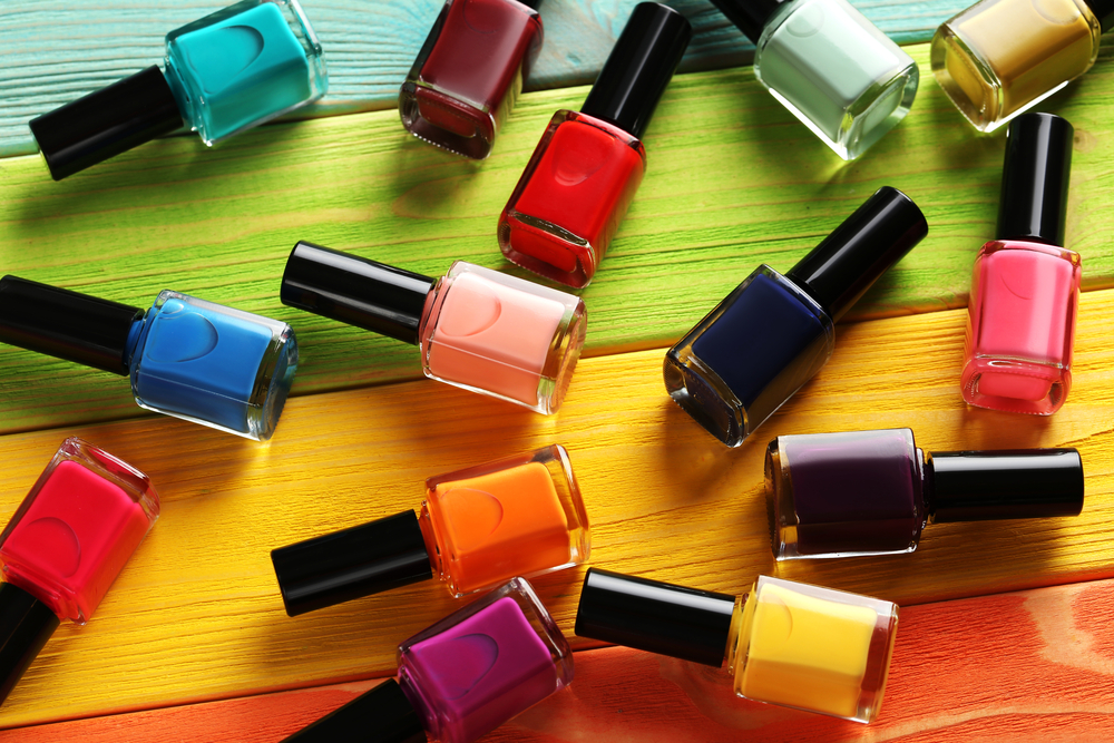 Do czego służy lakier? Te 10 zastosowań nie ma nic wspólnego z malowaniem paznokci!